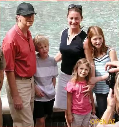 БГ С с детьми и женой
