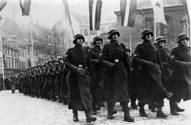 Солдаты-латышской-дивизии-СС